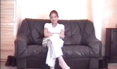 ペニスからの手コキ、足、若い女の子のための栄光を取り戻す イケメン 動画 av