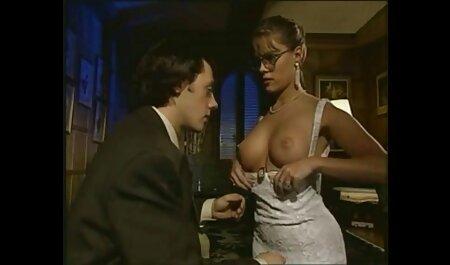 成熟した黒檀ふしだらな女は彼女の美味しいお尻で男を魅力に管理します イケメン 動画 av