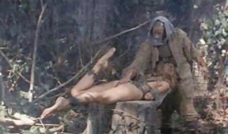 角質の若いカップルクソでベッドに異なる位置 エロ 動画 童貞 イケメン