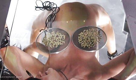 巨乳ロシアのポルノスター、妹彼女の滑りと口とバイブレータ イケメン と 美女 エロ 動画