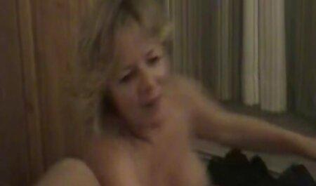 淫らな美しさの良い性交のベッドの上に エロ 無料 イケメン