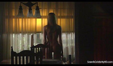 白い女の子はlを取得します.放棄された家の中で黒人男性を性交します アダルト イケメン 動画