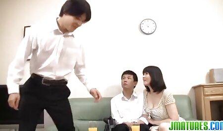 彼女が目を覚ました男が立って階段 イケメン えっち 動画