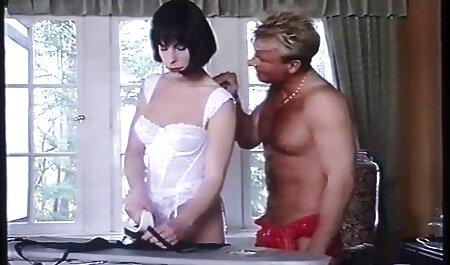 敏感なポルノモデルとバイブ イケメン 彼氏 エロ 動画