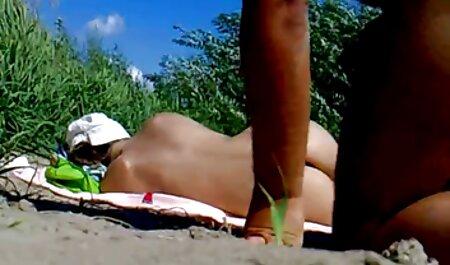 若い美しさと無邪気さ、新しいバイブレーターで自分自身を撫でて喜ばせる クンニ イケメン 動画